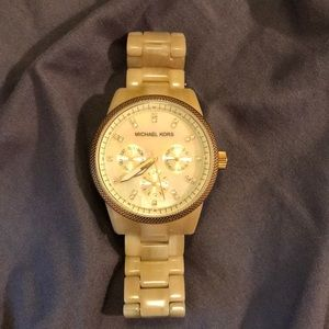 Beautiful Blonde Michael Kors Watch (extra links)